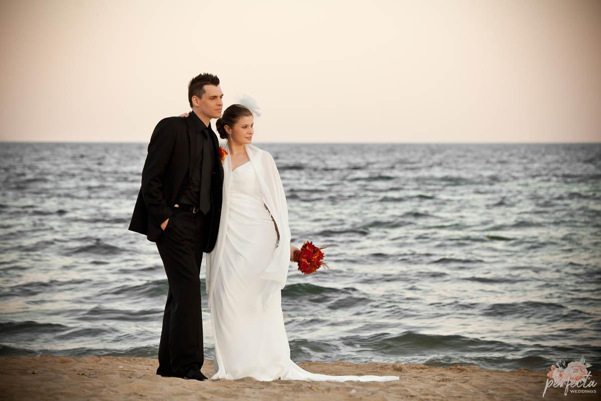 """сватба на морето Мануела и Сейхан в Слънчев бряг, край Несебър. народни танци, морска сватба, сватба слънчев бряг, сватба на морето, сватба край брега, сватба бургас, изнесен ритуал, програма сватба, сватба несебър, водещ на сватба, украса сватба. Сватбена агенция """"Перфекта"""" Бургас - От А до Я за вашата сватба, Декорация, Изнесен сватбен ритуал с наш водещ, Координация в сватбения ви ден"""
